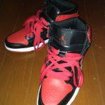 AIR JORDAN 1 黒×赤